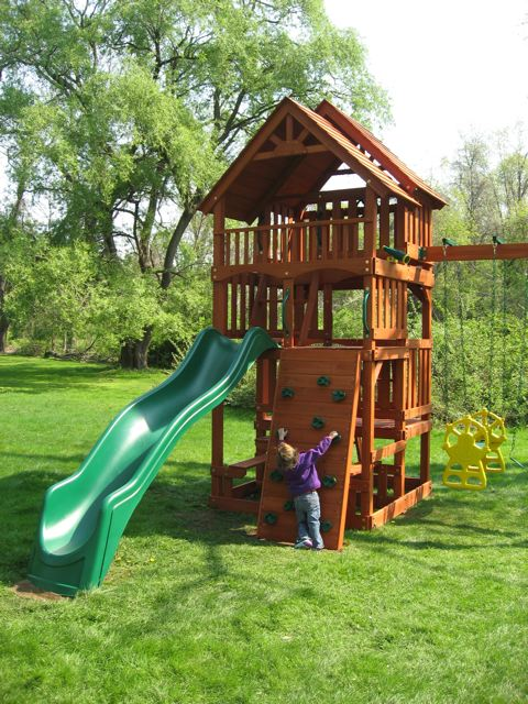 Jungle Gym Fort Climbing Frame Description