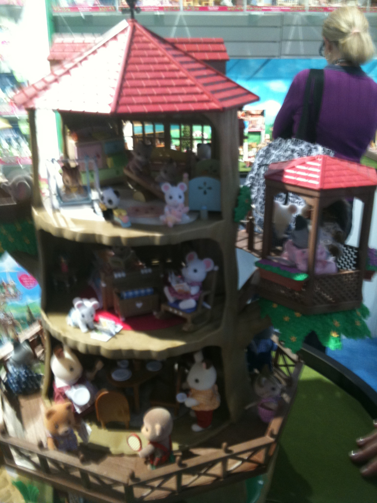 Best Toys For 10 Years : Pick of the day calico critters country tree house